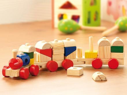 Építhető fa kis vonat gyerekeknek